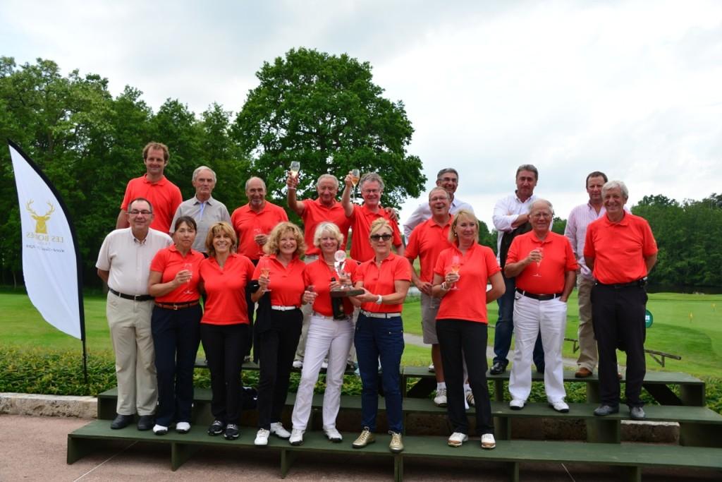L'équipe du sud, vainqueur de l'édition 2013 au Golf des Bordes et aux Aisses.
