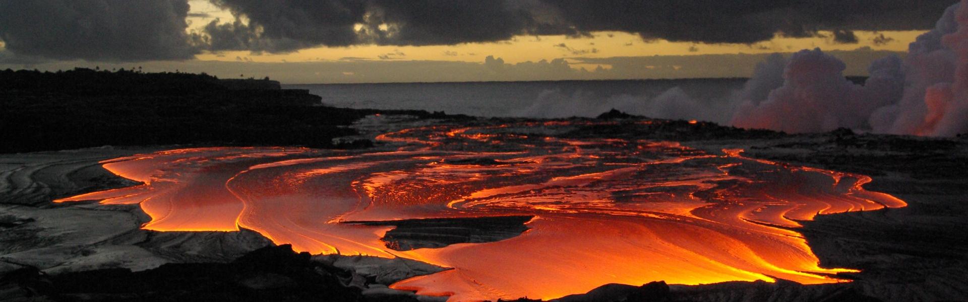 Le volcan Kilauea vue d'hélicoptère lors de l'étape 7